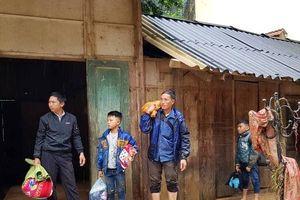 Chùm ảnh: Trường học tan hoang sau lũ ở Sơn La