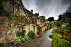Khám phá 10 ngôi làng đẹp như truyện cổ tích giữa đời thực