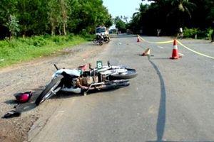 Tai nạn giao thông lúc rạng sáng, khiến 5 người thương vong