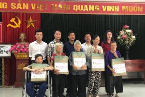 Chương trình 'Ơn nghĩa sinh thành' trao quà từ thiện cho người già neo đơn