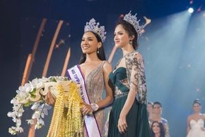 Hoa hậu Hương Giang quyến rũ, đọ sắc bên tân Hoa hậu Chuyển giới Thái Lan
