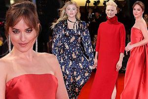 Mỹ nhân '50 sắc thái' đầm đỏ cúp ngực nổi nhất thảm đỏ LHP Venice