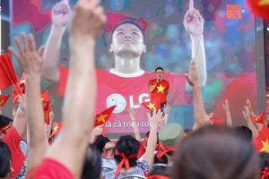 MC Quốc Duy livestream cùng gia đình cầu thủ Olympic Việt Nam