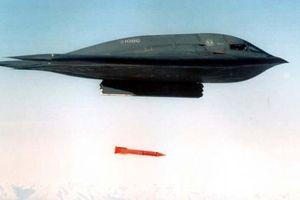Uy lực kinh hoàng của bom hạt nhân chuyên phá hầm ngầm của Mỹ