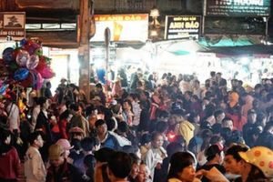 Chợ đêm Đà Lạt đông nghẹt du khách dịp Quốc khánh