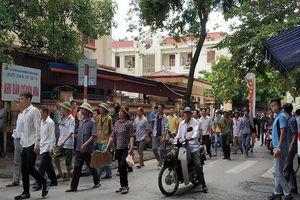 Dân kéo lên tỉnh phản đối xây nhà máy rác
