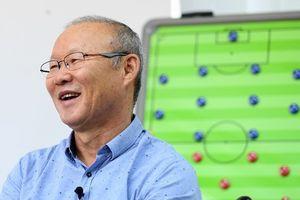 HLV Park Hang-seo muốn tặng 20 tivi cho cầu thủ để chơi game