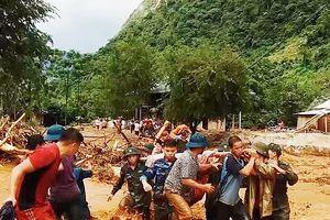 Thanh Hóa: Mường Lát bị cô lập, BĐBP sát cánh cùng dân vượt qua lũ dữ