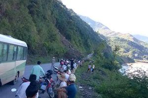 Sơn La: Sạt lở nghiêm trọng trên quốc lộ 279D