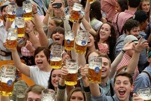 Cảnh sát Đức bảo vệ lễ hội bia Oktoberfest lần thứ 185