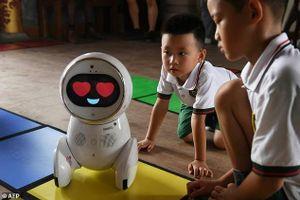 Đưa robot vào trường học để nâng cao chất lượng giáo dục
