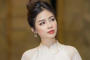 Ca sĩ Dương Hoàng Yến khiến fan lo lắng vì gầy đi quá nhiều
