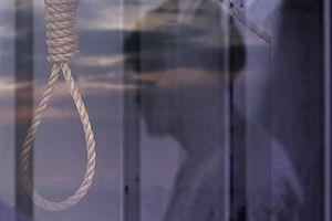 Một cán bộ xã tự tử tại nhà riêng