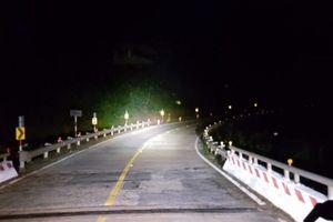Đi đèo Lò Xo ban đêm như thế nào để an toàn?