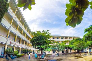 Trường THPT Nguyễn Thiện Thuật – Nha Trang: Nỗ lực vươn mình trong thời kỳ đổi mới