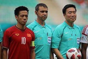 Trọng tài Hàn Quốc 'quá tuổi' sao vẫn bắt trận tranh HCĐ?