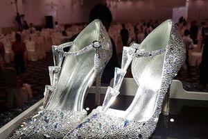 Tân Hoa hậu Việt Nam 2018 sẽ được trao giày đính đá crystal