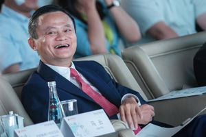 Jack Ma bác tin sắp nghỉ hưu