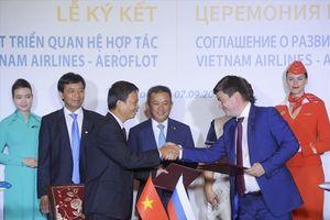 Kỷ niệm 25 năm đường bay Nga, Vietnam Airlines và Aeroflot ký thỏa thuận phát triển hợp tác