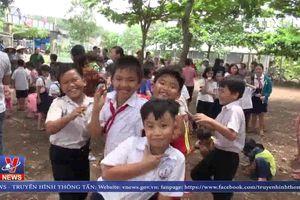 Bình Phước: Tạo điều kiện cho gần 100 học sinh không bị thất học