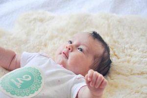 Chăm sóc trẻ sơ sinh 2 tháng tuổi cha mẹ cần ghi nhớ 7 lưu ý quan trọng này
