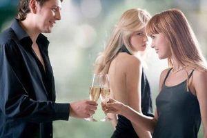 Phụ nữ khôn ngoan là đừng đánh ghen ầm ĩ khi chồng ngoại tình