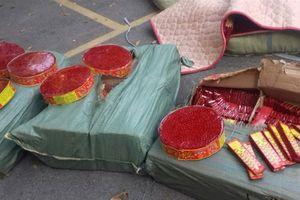 Lạng Sơn: Bắt giữ hàng tấn pháo lậu