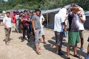 Cảnh sát bị cáo buộc bạo lực với người tị nạn