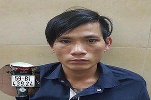Cảng sát đạp ngã, khống chế tên trộm xe máy ở Sài Gòn