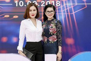 Hoa hậu Phương Lê đeo đồng hồ 3 tỷ đồng, đọ sắc với diễn viên Thủy Tiên