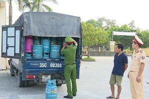 Vận chuyển 160 bình gas không hóa đơn, chứng từ