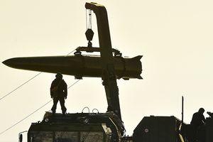 Tên lửa vô đối của Nga nghiền nát mục tiêu cách xa hàng trăm km?