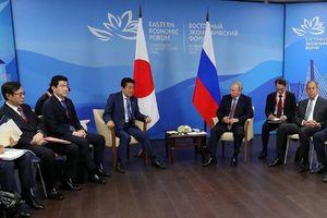 Ông Putin đề nghị Nga-Nhật ký thỏa thuận hòa bình trong năm 2018