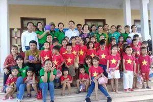 Nhóm thiện nguyện Đức Nhân Tâm đến với người nghèo