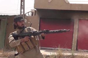 Chết lặng dàn vũ khí cổ lỗ của phiến quân trên chiến trường Syria