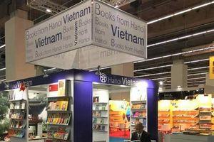 Giới thiệu lịch sử, văn hóa Hà Nội tới bạn bè quốc tế