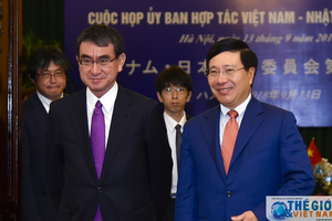 Toàn cảnh: Phó Thủ tướng, Bộ trưởng Phạm Bình Minh tiếp, họp với Bộ trưởng Taro Kono