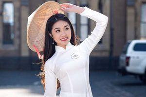 8 cô gái Việt Nam thi tài sắc trên nước Úc