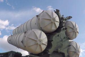 Vostok 2018: Cận cảnh tên lửa lừng danh S-300, S-400 'lên đạn', sẵn sàng khai hỏa