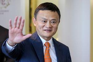 Ông Putin hỏi Jack Ma: 'Còn trẻ thế, sao đã nghỉ hưu?'