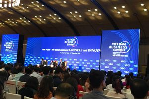 Ông Vũ Tiến Lộc: 'Doanh nghiệp quốc tế hãy đến, nắm chặt tay các doanh nghiệp Việt Nam'