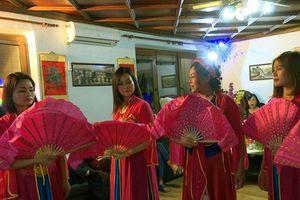 'Tiếng hát từ quê hương' kết nối cộng đồng người Việt tại Séc