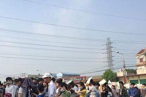 Thái Nguyên: Choáng với cuộc chạy đua nộp đơn xin làm công nhân