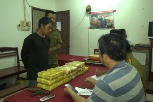 Bắt giữ đối tượng vận chuyển hơn 100.000 viên ma túy từ Lào sang Việt Nam tiêu thụ