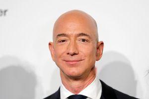 Bí quyết sống hạnh phúc của người đàn ông giàu có nhất hành tinh Jeff Bezos