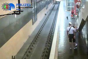 Vừa cãi nhau với bạn gái, người đàn ông bực tức đẩy hành khách xuống đường ray tàu hỏa
