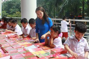 Kể chuyện theo sách - phát triển văn hóa đọc
