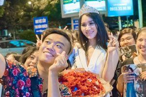 Á hậu Sắc đẹp Toàn cầu 2018 Dương Yến Phi xúc động khi được fan đón tại sân bay