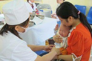 Tháng 10 mới có đủ vaccine '5 trong 1', trẻ bị chậm tiêm ảnh hưởng thế nào?