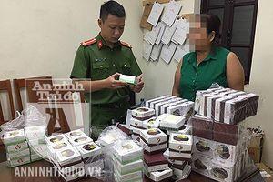 Phát hiện lô 'hàng cấm' được cất giấu trong cửa hàng bán đồ bảo hộ lao động